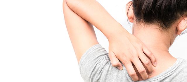 「汗」が原因の肌のかゆみ。効果的なケアと対策を知ろう!