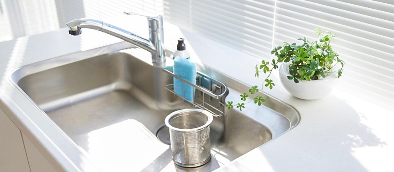 キッチンの排水口掃除は、この方法でヌメリ・ニオイを撃退!
