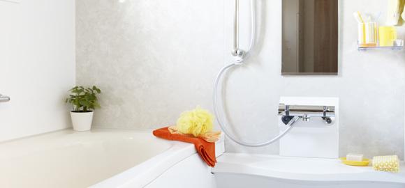 「浴室の鏡」をくもらせない!日頃の簡単お手入れ方法