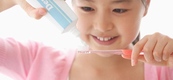 「ハミガキ」を使って上手に歯を磨こう!