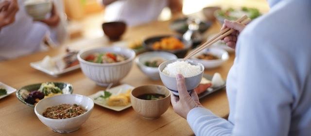 あなたの健康を守る!「唾液」の重要な働き