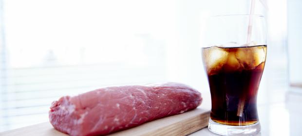 「コーラ」に漬け込むだけで安くてかたい肉が高級ブランド肉並みのやわらかさに!?