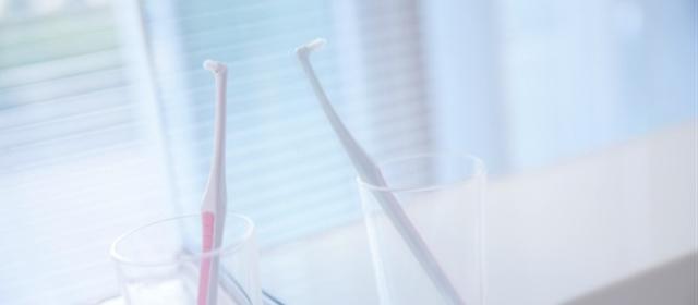 自分の歯並びに合わせて磨ける「タフトブラシ」の使い方