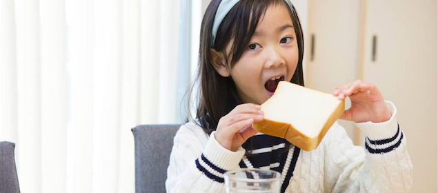 「乳歯の生えかわり」のしくみと年齢別「点検」のポイント