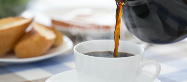 できるだけキレイに落とすために!コーヒー・ワインのシミの応急処置