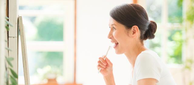 歯を失わないためにも始めたい歯周病対策~歯磨きと歯間ブラシのコツ~