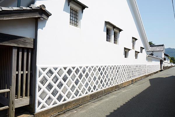 写真:城下町の一画である「菊屋横町」